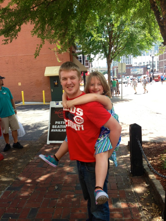 Piggy-backing through Nashville! Little Evie really got to see Nashville in style :)