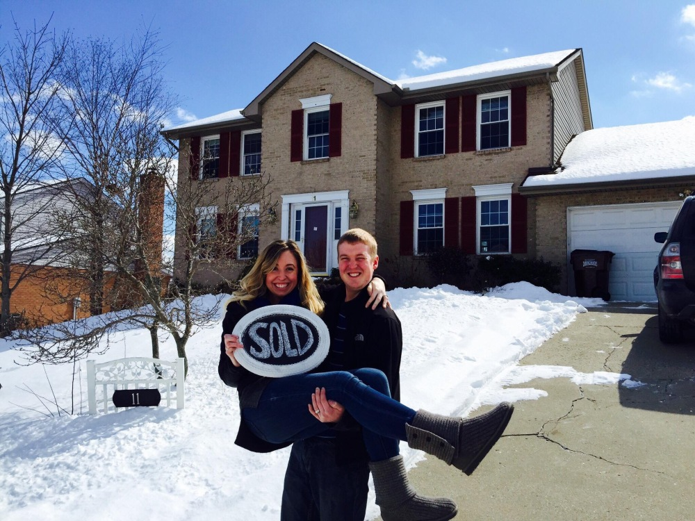 On Friday, February 27th! The day we officially became home ownsers!!!