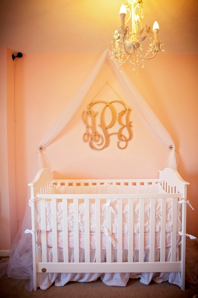 Her crib the day we brought her home, before we lowered it last week.
